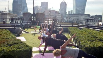 staff-from-city-of-london-police-enjoy-pilates-at-coq-dargent-with-exercise-in-the-city